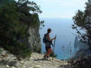 sardinia-walking-jackie_looks_on_perda_longa