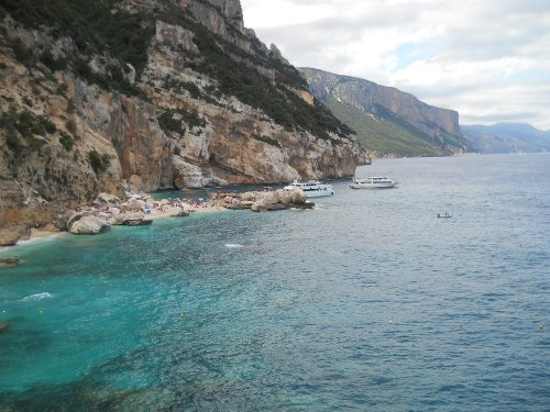 Ispuligidenie/Cala Mariolu - walking to beach, Sardinia
